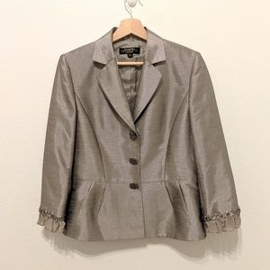 Tahari Luxe skirt suit size 6